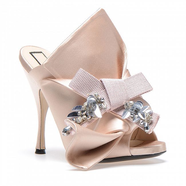 Bow mules in powder pink satin with embroidery