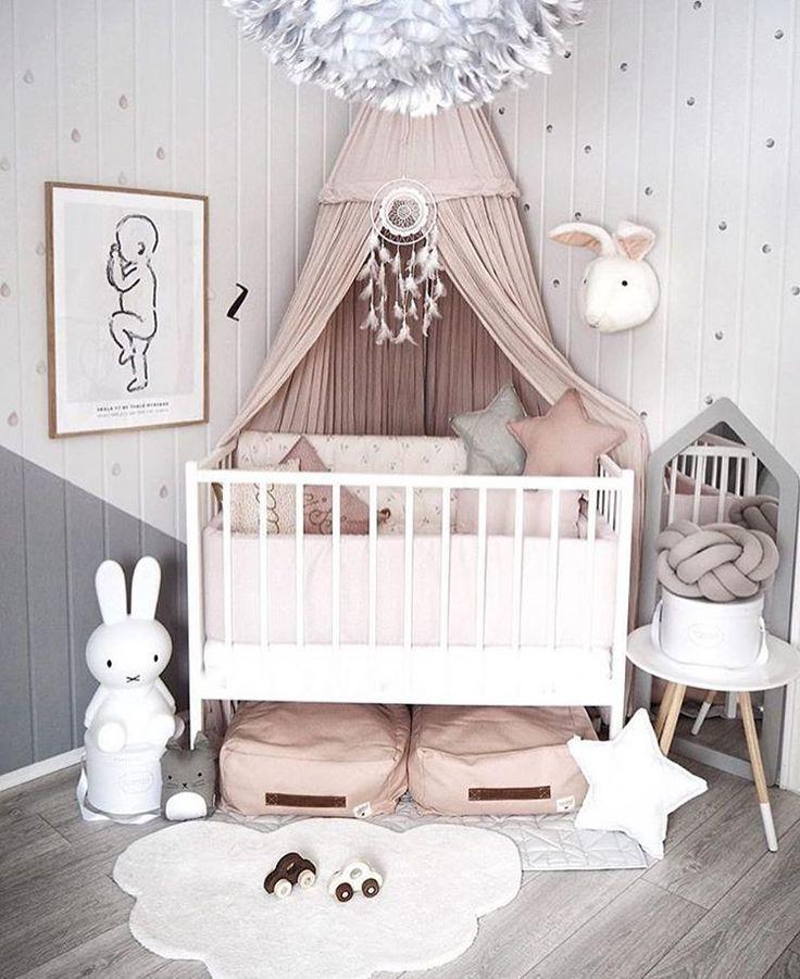 Ich mag den Winkel der Krippe und des Baldachins   #baldachins #krippe #winkel #babyzimmerdekor