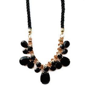 The Zinnia Necklace