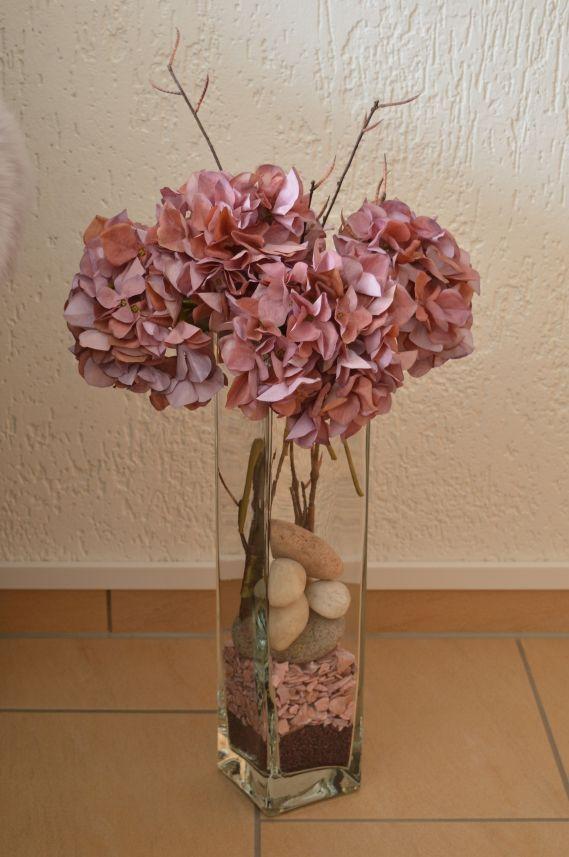 Pink Hydrangeas In Glass Vase Decoration In The Living Room In 2020 Glass Vase Decor Flower Vase Design Tall Vase Arrangements