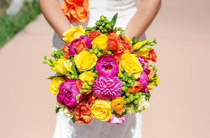 june wedding bridal bouquet summer wedding pinterest wedding flower and bridal bouquets. Black Bedroom Furniture Sets. Home Design Ideas