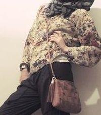 Tips Fashion ; Memakai Tas yang Benar