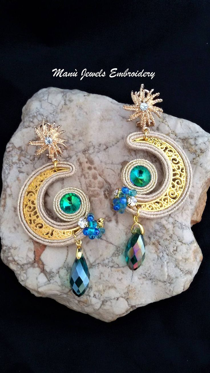 orecchini soutache luna Soutache Earrings, Handmade Earrings, Hand Embroidered, Soutache Jewelry, Handmade from Italy di ManuJewelsEmbroidery su Etsy