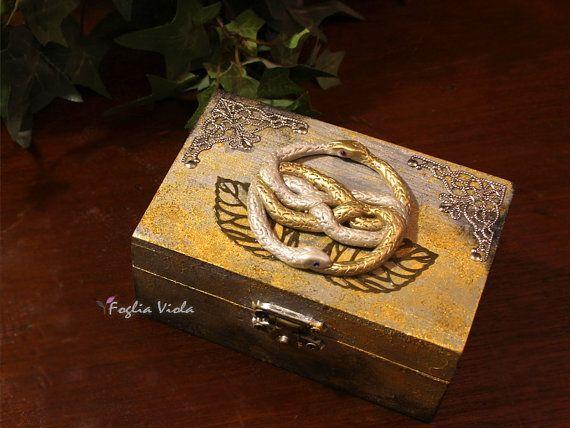 Auryn box La Storia Infinita snake ouroboros geek di FogliaViola