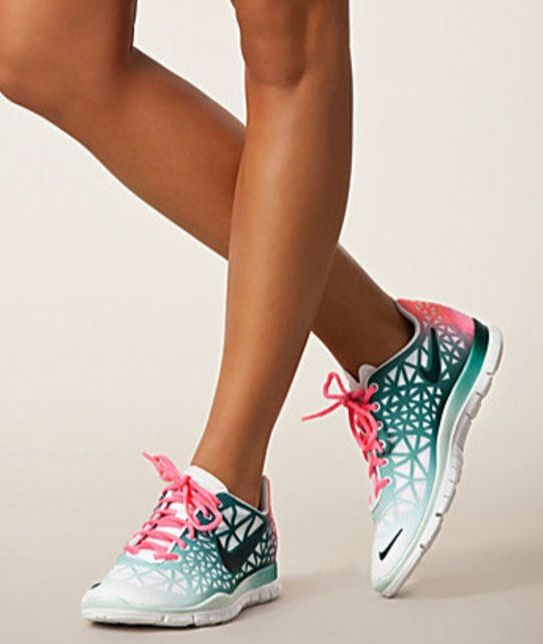 love these cute Nike tennis shoes and the fact that I can wear them to the gym but also just out and about during the day