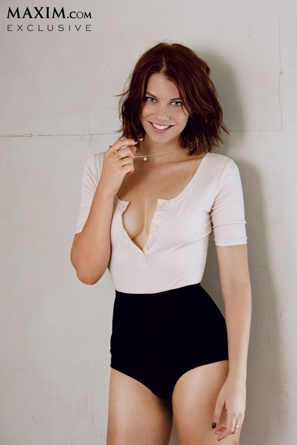 "Lauren Cohan from AMC's ""The Walking Dead"" sure looks nice when she's not splattered in mud and gore."