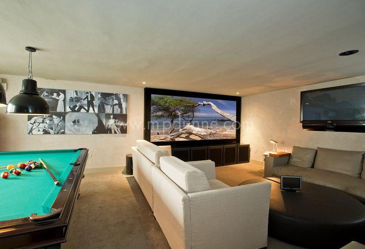 Every modern #villa should feature a games room ;-) #Villa #PuenteRomano http://www.mpdunne.com/en-MPV2776_villa-puente+romano-marbella+golden+mile.html