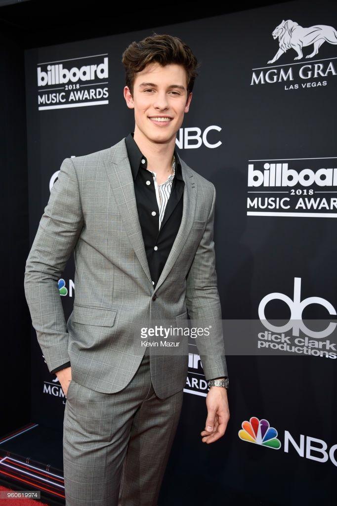 2018 Billboard Music Awards Red Carpet Com Imagens Shawn
