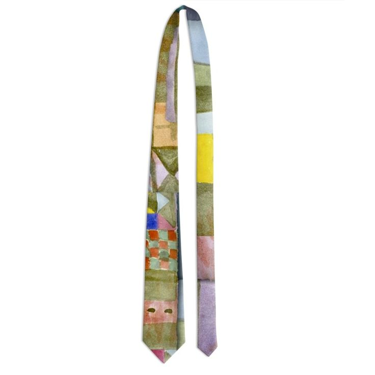 "The necktie is made of light reflective fabric that gives a refined touch to this accessory for an elegant man. 5 years warranty. Washable by hand or in washing machine Crafted product Classic size: base 9 cm - length 140.5 cm 5 years warranty includedKlee/Ritagli""  -"