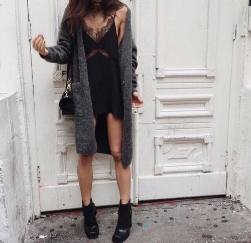 Cardigan + vestido lencero +botines