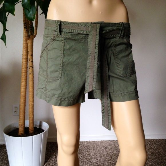 "Army Green Shorts size 4 Super cute army green shorts size 4 hips across at 16"" and 3"" in length Old Navy Shorts Cargos"