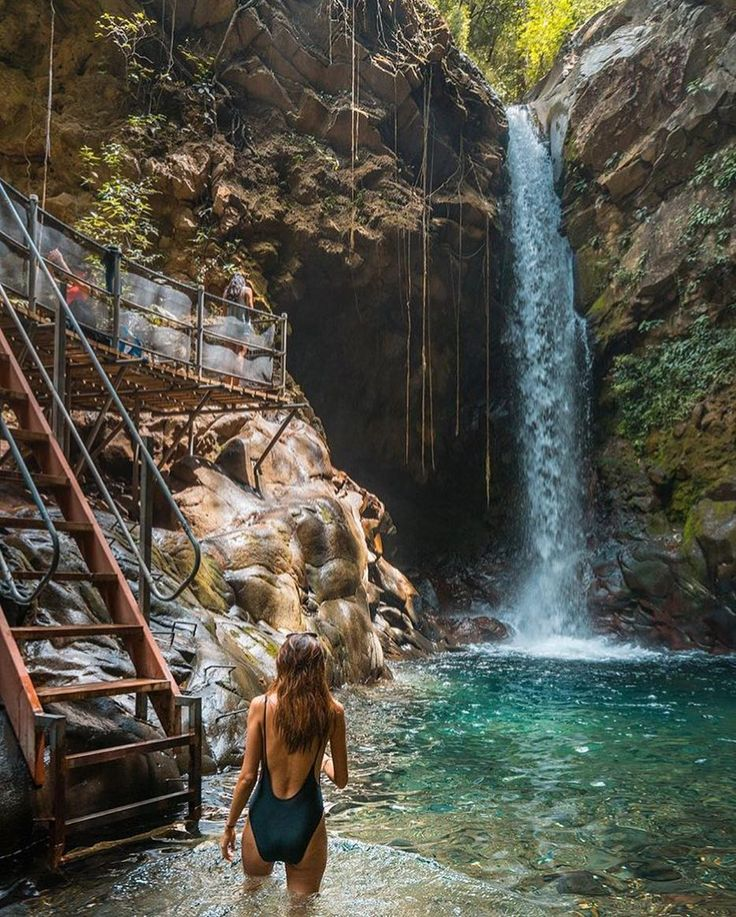 Rincon de la Vieja National Park is a treasure trove of natural wonders.  Oropendola #Waterfall via @marimichelena @lightsaint! #CostaRicaExperts #CostaRica