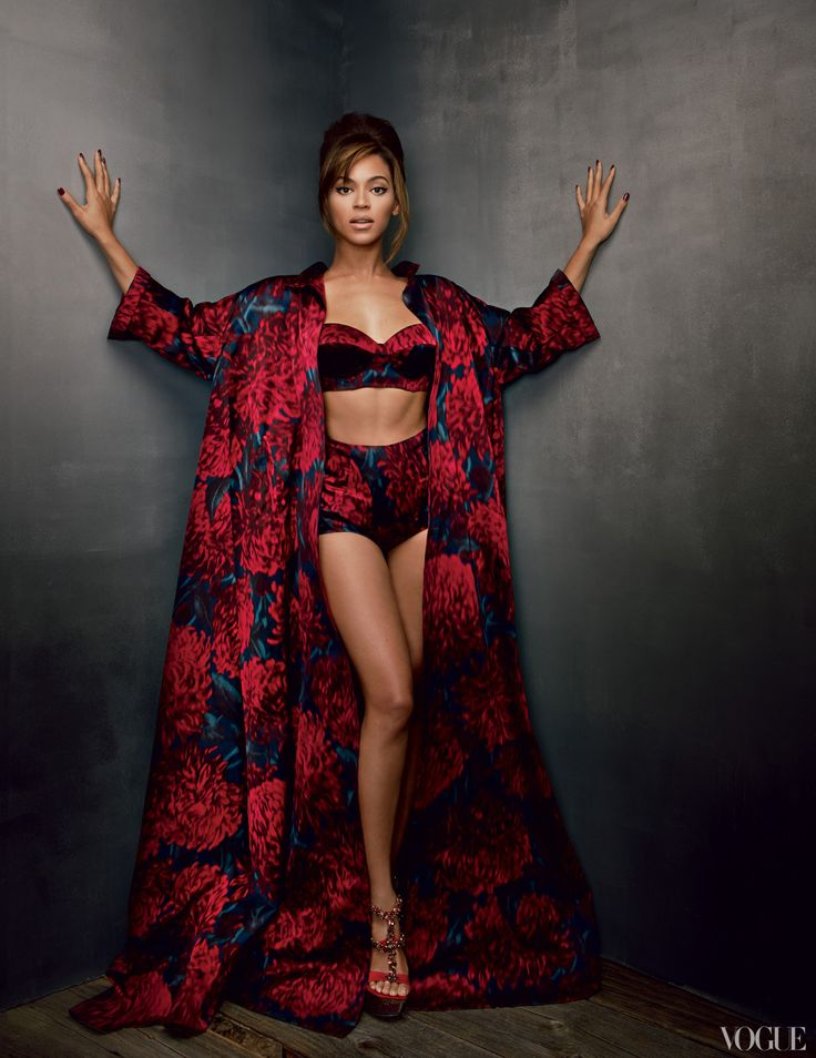 #Beyonce #Vogue Photoshoot 2013 See full article here: http://www.fashion-district.org/2013/beyonce-rules-vogue-march-issue/