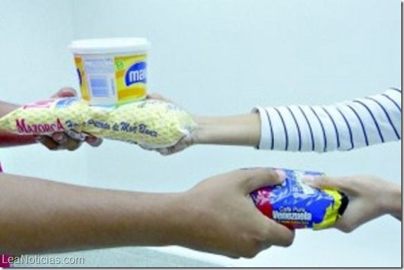 En Venezuela se practica el trueque de alimentos a través de las redes sociales - http://www.leanoticias.com/2015/06/29/en-venezuela-se-practica-el-trueque-de-alimentos-a-traves-de-las-redes-sociales/