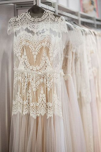 lace cream dress. dreamy