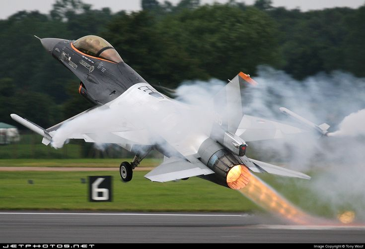 Photo of J-055 General Dynamics F-16AM Fighting Falcon by Tony Woof