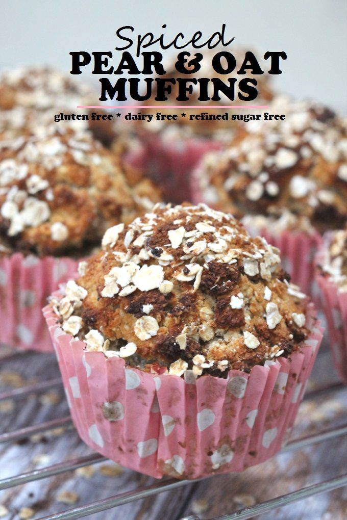 Spiced Pear and Oat Breakfast Muffins #glutenfree #sugarfree #dairyfree