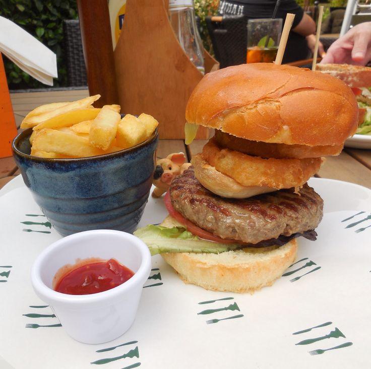 The Ultimate Burger - The Waterside Inn - Ware - Hertfordshire, UK