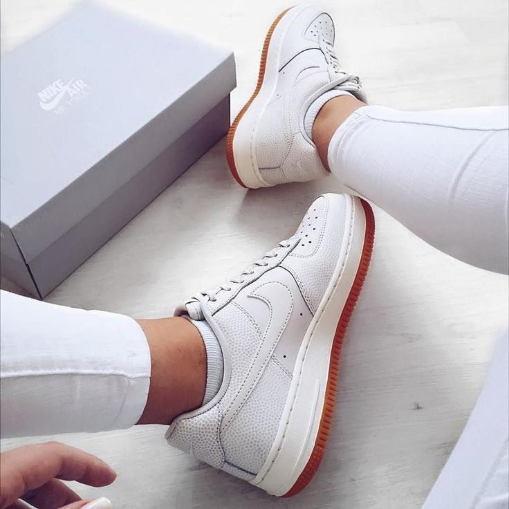Sneakers women - Nike Air force 1 white (©dilek.cylk)