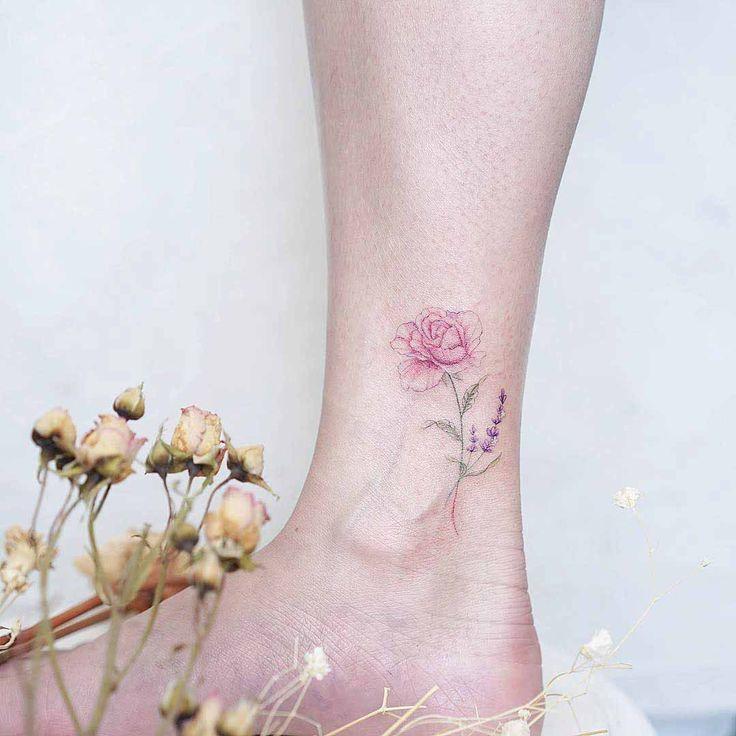 Les 25 meilleures id es de la cat gorie tatouages de rose - Tatouage rose cheville ...