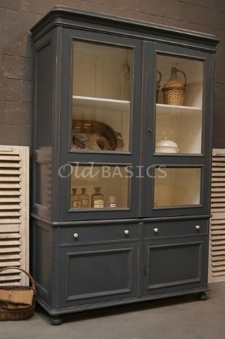 Unieke oude brocante Vitrinekast / servieskast van www.old-basics.nl (webshop & loods) Vintage, shabby chic & brocante