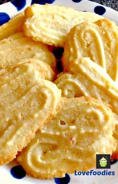 Lemon Melting Moments Cookies. A wonderful gentle lemon flavor with a melting sensation! #cookies #lemon #butter