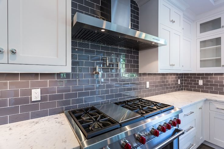 pictures of kitchen tiles 17 best ideas about gray subway tile backsplash on 4219