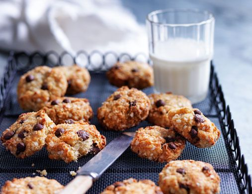 Quinoa choc-chip biscuits from Louise Fulton Keats - Yahoo!7