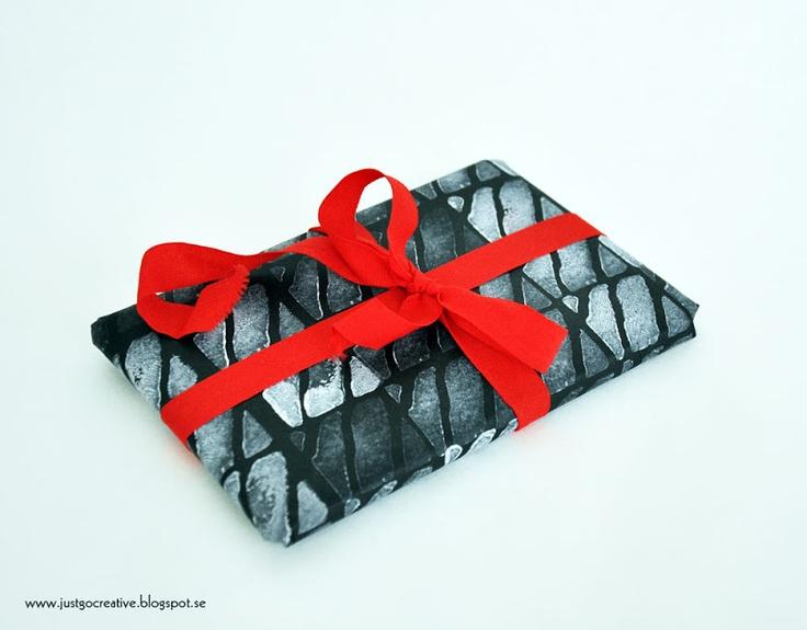 Just go creative: Tryck eget present/julpapper, paper print with potatoe