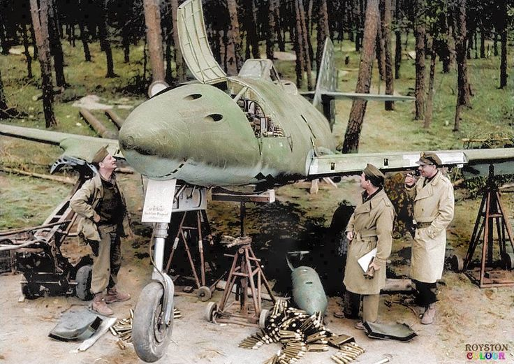 Messerschmitt Me262 A-1a/Jabo (Werknummer 170312) of I./KG 51 photographed on 27th. March 1945 off the Frankfurt Autobahn. Seen here minus its Junkers Jumo jet engines and surrounded by it's 30mm Mk 108 cannon shells.
