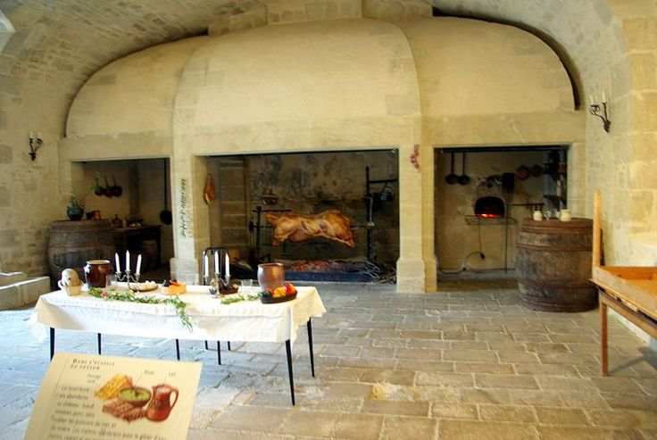 Kitchen of the Duras castle used for banquets (Lot-et ...
