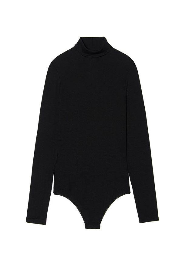 como vestir bien invierno 2018 ropa mujer frio Benetton. IMPRESCINDIBLE, UN CISNE NEGRO