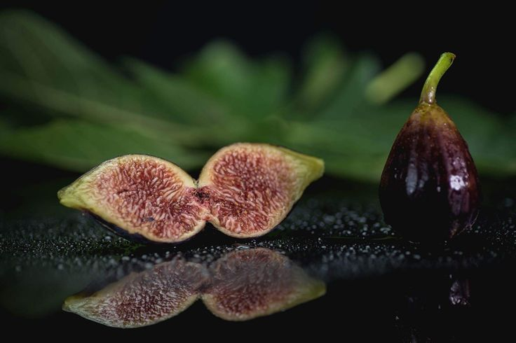 fruits project: figs group Homemade production . Want your product featured? Contact me!📧 . www.mauromilan.com #instafood #food #yummy #foodporn #foodie #instamoment #fashionfood #instalike #picoftheday #cibo #foodpassion #foodart #foodpic #thebestfood #foodstyling #foodlove #foodpost #foodphotooftheday #foodlovers #foodblogger #ilovefood #italianfoodphotographer #canon #italianfood #madeinitaly #bontaitaliane #eccellenzaitaliana #yum  #fruits #figs