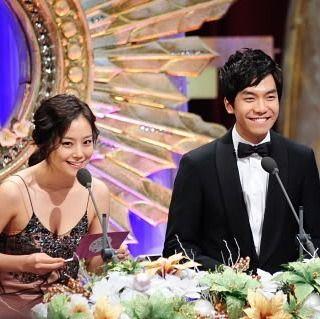 "MCW:""Seung gi-sshi,diantara akting,nyanyi dan menjadi presenter mana yang paling membuat mu bahagia?? ...LSG:""yang paling membuat ku bahagia tentu saja berada disini berdua dengan Chaewon-sshi... ~SBS drama award 2010~ #moonchaewon#leeseunggi#briliantlegacy#loveforecast#chaegicouple#comebackchaewon#criminalmindskorea#criminalminds#leejoongi #namooactors #goddess"