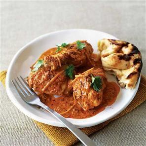 Kashmiri butter chicken recipe. A wonderful fragrant rich and creamy Kashmiri chicken dish.