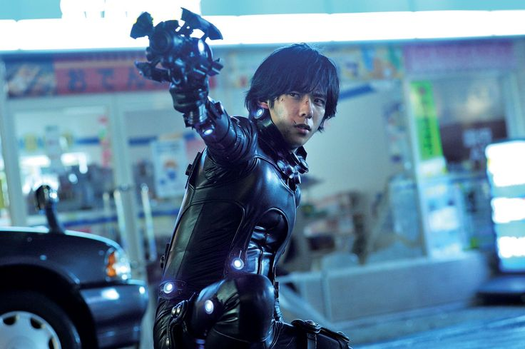 Gantz: Perfect Answer. Finally broke down and bought it. Hoping to see some Kei Kurono kick some ass. Although i wouldn't have cast Kazunari Ninomiya as Kurono, I've come to like him a lot. Edit: finally saw the film. I'm disappointed. there were a ton of narrative holes and apparantly Kei grew up. A LOT. since he sacrificed himself for everyone who ever came into contact with gantz. i hate to ask for happy endings, but.... :(