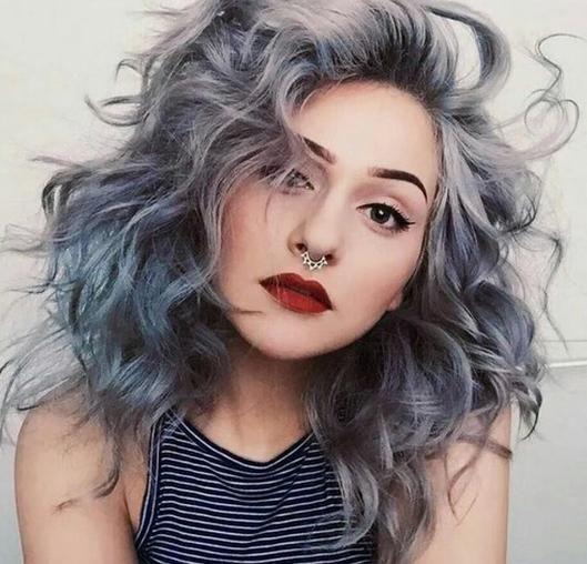 25 Ideas Estupendas de Peinados para Cabello Gris y Aprende Cómo Teñir tu Pelo Gris con Estilo