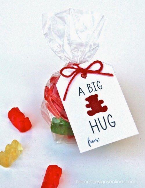 A Big Bear Hug Valentine || from Jenny Raulli from Bloom Designs Online, via Skip to My Lou