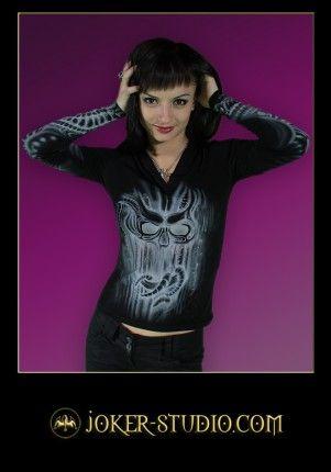 БИОМЕХАНИКА ~ ДЖЕМПЕР для СТИЛЬНОЙ СОВРЕМЕННОЙ ГОТЕССЫ с АЭРОГРАФИЕЙ в СТИЛЕ КИБЕР-ГОТИКА на БИФЛЕКСЕ http://www.joker-studio.com/cyber-gothic-clothing-ladies-tattoo-biomechanics-tops-t-shirts/873-47455-girls-rock-gothic-clothing-biomechanics-tattoo-top-aerography-47455.html