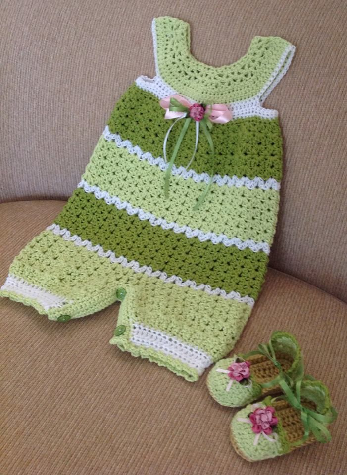 e03595345565 crocheted baby romper 6-9 months with matching shoes