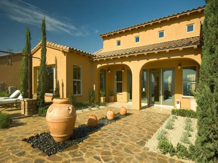 Best 25 small mediterranean homes ideas on pinterest for Small tuscan home designs