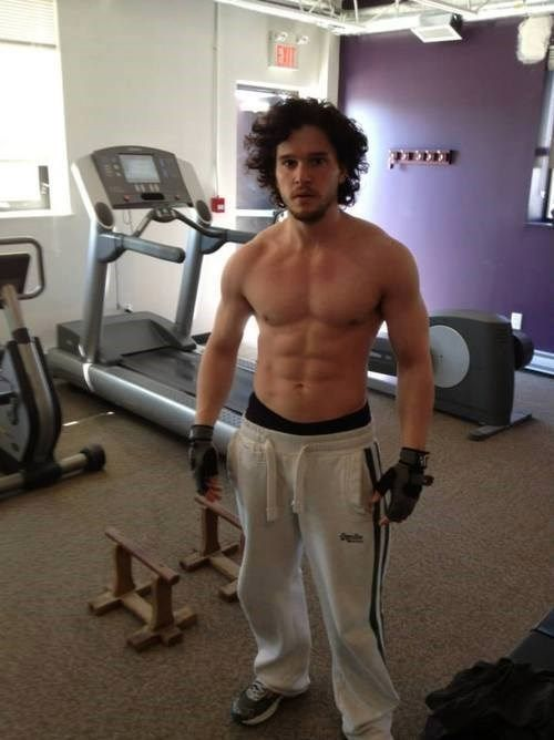 Jon Snow (Kit Harington) has been working out - why does he always look surprised? Whatever, I don't care. He's still pretty..mmm