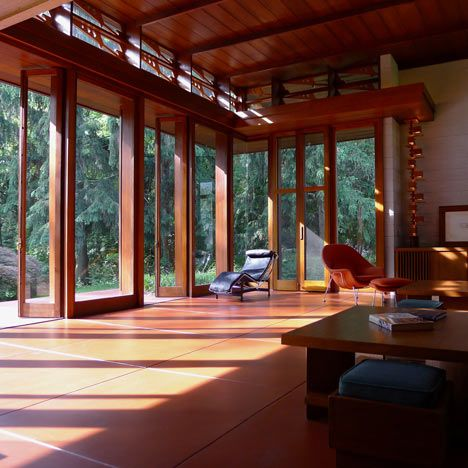 Frank Lloyd Wright Bachman Wilson House could be shipped from US to Italy, in order to save it from flood damage. All windows onto woods.