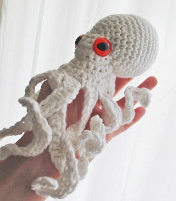 Ruby Submarine: Octopus Crochet Pattern at last...                              …