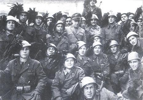 Bersaglieri soldiers in 1945