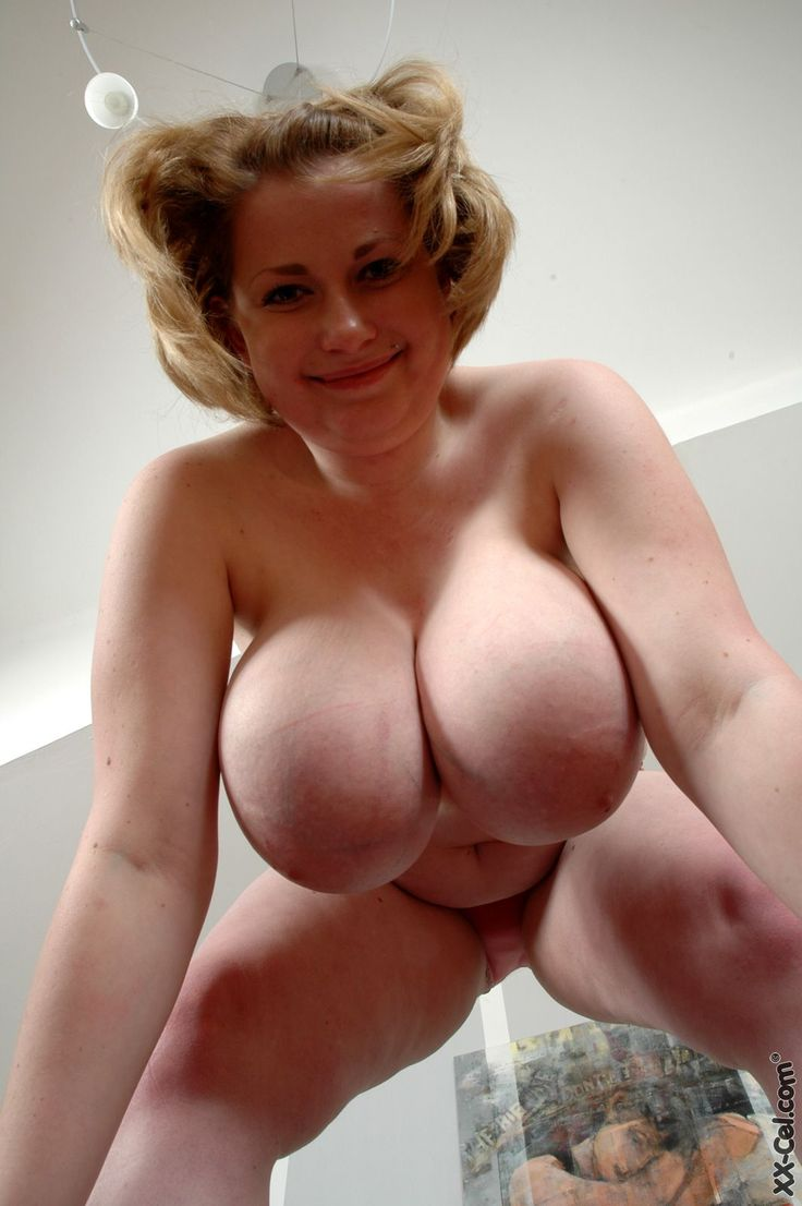 Need mature boobs swinging