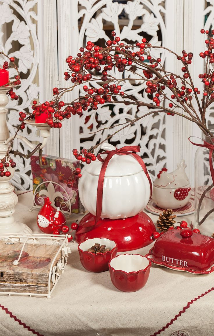 Red Fruits, Passionate Breezes, Intense emotions, Significant Changes. Beautiful Pumpkin-Marble bowls, Rose Red decorations