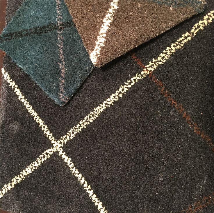 Colección Rombus, alfombras tejidas en tufted a mano en 100% lana natural de Nueva Zelanda aplicando patrones inspirados en los tejidos escoceses.