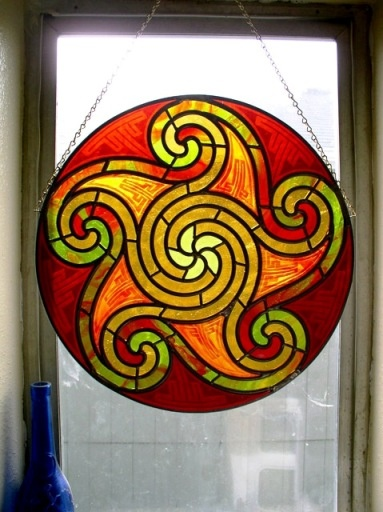 i miss everything about working with stained glass except for the glass splinters in my fingers