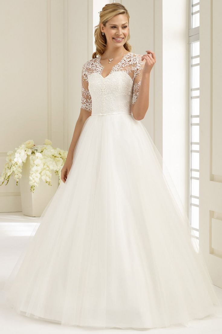9 best Bianco disponible Christiane Boutique Mariage images on Pinterest